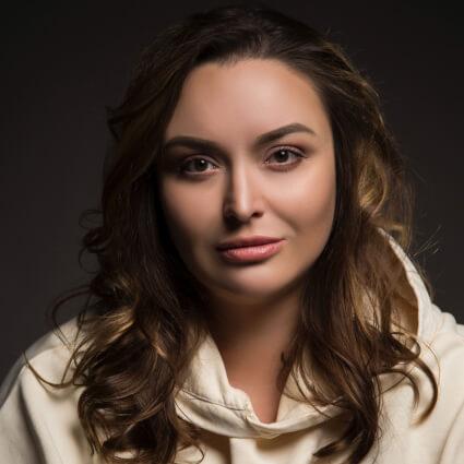 Юлия Марова